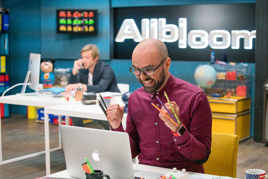 Przedpremiera: Alibi.com - napisy